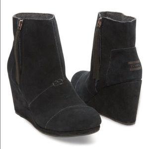 Toms high desert wedges black suede leather